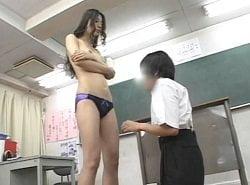 女教師杏里の泣叫ぶ男子生徒に容赦ない連続射精地獄