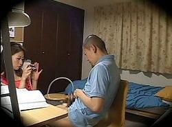 家庭教師のミニスカ痴女がウブな少年のチンコを弄ぶ