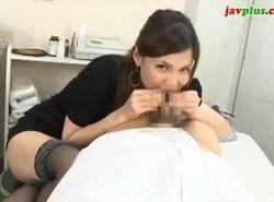 短小包茎チンポが痛い学生を診察して弄ぶ美人女医