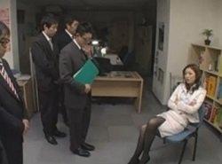 部下である男性社員をセクハラし放題な女社長