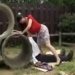 息子を虐めてた男をやっつけて精子を搾り出すドSな巨乳妻の動画